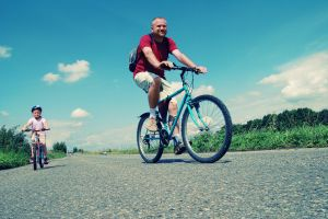 1068543_family_bike_trip